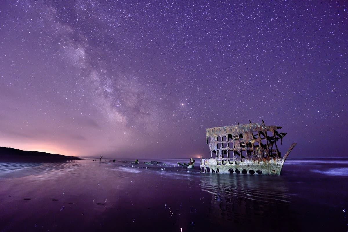 OR: Milky Way Glows Behind Peter Iredale Wreck