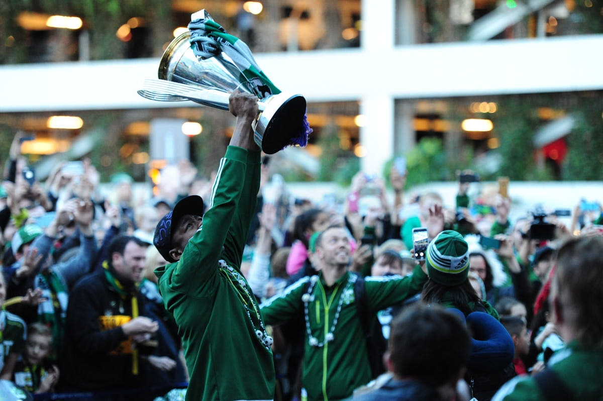 OR: Fans Welcome Home Portland Timers After MLS Cup Win