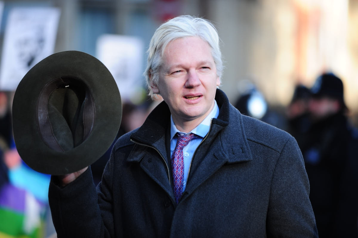 UK: Assange at Supreme Court on Second Day of Swedish Extradition Hearing