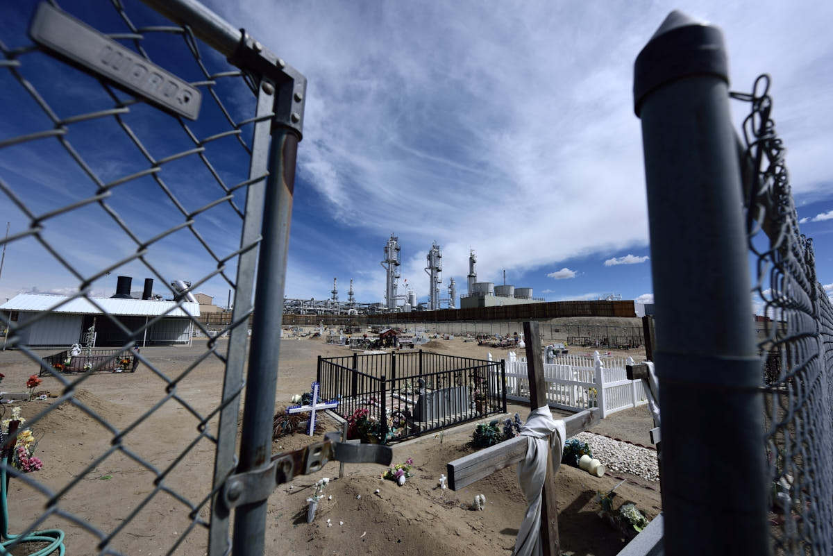 NM: Cemetery in the Shadow of the San Juan Gas Plant
